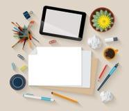 Des flachen Draufsicht Arbeitsplatzmodells des Vektors: Tablette, Papier, kreativ lizenzfreie abbildung