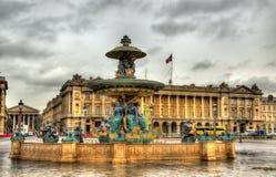 DES Fleuves de Fontaine sur le Place de la Concorde Image libre de droits