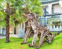 DES Flottins di Le Fabuleux Village con le figure di legno in Evian-le Fotografie Stock Libere da Diritti