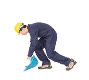 Des Griffhod oder -maschinenhälfte des jungen Arbeitnehmers geformter Korb Lizenzfreies Stockbild