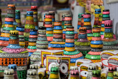 Des métiers de Handi faits dans l'Inde, c'est un art peint sur des pots Images stock
