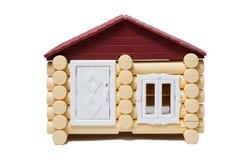 Des maisons en bois modèles faites de rondins sont isolées Image libre de droits