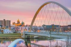 Des Moines Iowa horisont i USA royaltyfri fotografi