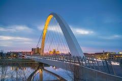 Des Moines Iowa horisont i USA royaltyfri bild