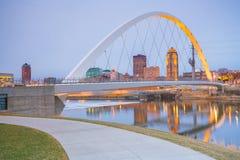 Des Moines Iowa linia horyzontu w usa zdjęcia stock