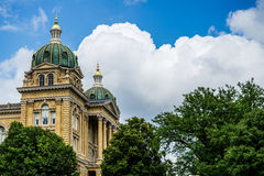 Des Moines Iowa State Capitol. Beautiful Historiacal  Des Moines Iowa State Capitol on a nice cloudy day Stock Image