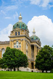 Des Moines Iowa State Capitol. Beautiful Historiacal  Des Moines Iowa State Capitol on a nice cloudy day Royalty Free Stock Photo