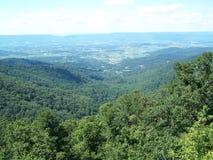 Des montagnes sur la haute Photo libre de droits