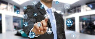 Des Multimedianetzes 3D des Geschäftsmannes rührende Wiedergabe Stockfoto