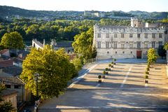 DES Papes de Avignon - de Palais Papas Palácio em Avignon em um dia de verão bonito, franco foto de stock