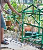 Des peintres sont peints en acier. Photo libre de droits