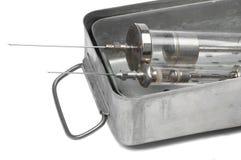 Des pointeaux plus anciens dans le stérilisateur en métal Image stock