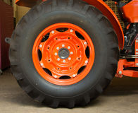 Des Rades nahe hohe Industrie des LKWs halb Lizenzfreies Stockfoto