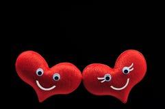 Des roten glückliches Lächeln Herz-Gesichtes der Paare Lizenzfreies Stockfoto