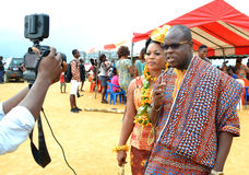 DES SUPPORTS PLUS MAGNIFIQUES DE L'AFRICAIN CREREMONY image libre de droits