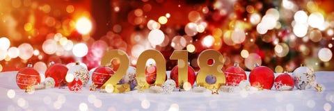 des Sylvesterabends 2018 mit Weihnachtsflitter und Kerzen 3D-renderin Lizenzfreies Stockfoto