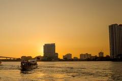 Des Taxiservice-Autos Tuk Tuk ursprüngliches Symbol von Thailand stockfoto