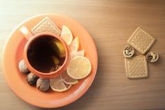 Des Tees Leben noch stockfotografie