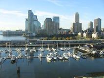 des vues de New York City et de marina d'un angle différent Photographie stock libre de droits