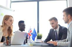 Desacuerdos entre los líderes de la unión europea y Gran Bretaña en la reunión Brexit foto de archivo