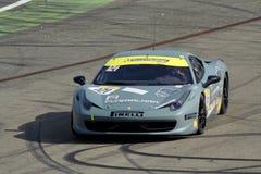 Desafío de Ferrari Italia en la pista Foto de archivo