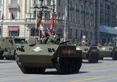 Desantiruemye BTR-MDM Rakushka durante um ensaio da parada Fotografia de Stock Royalty Free