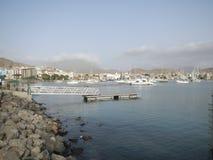 Desantowa scena w afrykanina portu miasteczku Mindelo Zdjęcia Royalty Free