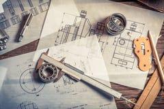 Desarrollo de los esquemas mecánicos basados en medidas Imagen de archivo