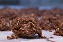 Desarrumado não desintegrando nenhuma cookie cozida ajustada refrigerando imagem de stock