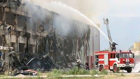 Desastre do grande fogo em um armazém filme