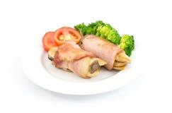 Desayune con el jamón, la seta, el bróculi, los tomates y la piña Foto de archivo