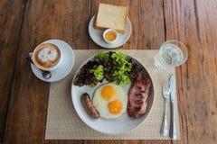 Desayuno americano por la visión superior Imágenes de archivo libres de regalías