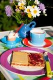 Desayuno colorido al aire libre imagenes de archivo