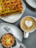 Desayuno con café Fotografía de archivo libre de regalías