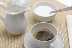 Desayuno con café express Imágenes de archivo libres de regalías
