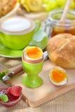Desayuno con el huevo imágenes de archivo libres de regalías