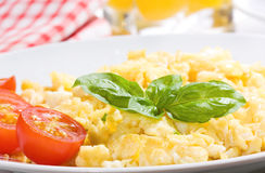 Desayuno con el huevo revuelto Fotografía de archivo libre de regalías