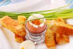 Desayuno con el huevo soft-boiled Foto de archivo libre de regalías