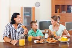 Desayuno con el zumo de naranja Fotos de archivo libres de regalías