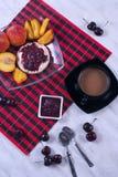 Desayuno con la fruta Imagen de archivo libre de regalías