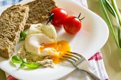 Desayuno con los huevos Fotos de archivo libres de regalías