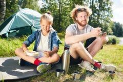 Desayuno de backpackers Fotografía de archivo libre de regalías