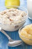 Desayuno de la harina de avena Foto de archivo libre de regalías