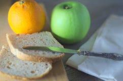Desayuno de la mañana en luz natural Imagen de archivo libre de regalías