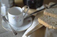 Desayuno de la mañana en luz natural Imagen de archivo