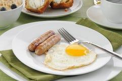 Desayuno de la salchicha y del huevo Foto de archivo