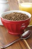 Desayuno del cereal del salvado de trigo Imagenes de archivo