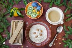 Desayuno del ` s del Año Nuevo, café, pan, atasco Configuración festiva del vector Fotografía de archivo libre de regalías