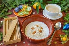 Desayuno del ` s del Año Nuevo, café, pan, atasco Configuración festiva del vector Imagen de archivo libre de regalías