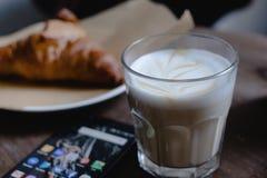 Desayuno en el café fotografía de archivo